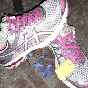 Asics Woman's Running shoes size 9.5